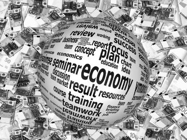 الحكومة المصرية تستهدف نمو الناتج المحلي الإجمالي بنسبة 8٪ بحلول السنة المالية 2021/2022 في برنامجها الممتد لأربع سنوات